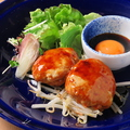 料理メニュー写真鶏つくねバーグ ~黄身醤油添え~