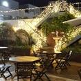 夏季限定の開放的な夜景の見えるテラス席