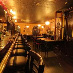 カウンター12席。雰囲気あるカウンターで店員と話すも良し、お酒と会話するも良し、BARと言えば思い浮かぶのはカウンターですよね★