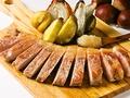 料理メニュー写真ルスツ産もち豚のソテー 栗と洋梨&梅ジャム添え