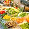 ★サラダバー★イタリアンビュッフェには、新鮮サラダ&アンティパストバーもついています♪野菜もたっぷり味わえます◎品数豊富な本格イタリアンをゆっくりこころゆくまで楽しもう♪