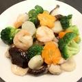 料理メニュー写真海老と野菜の炒め、海老のチリソース煮、海老と玉子の炒め、カニ玉