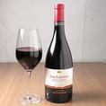 【サン・ロレンツォ ロッソ・コーネロ】大樽と一部バリックを使って熟成させることで、力強いワインに仕上がっています。濃厚で持続性のある香り。豊かな果実味を持つなめらかでやさしい味わい。