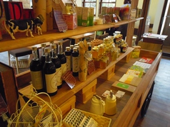 Cafe&Gelateria HoneyB ハニービーの雰囲気1