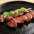 料理メニュー写真鶏レバー串(ごま塩・タレ)