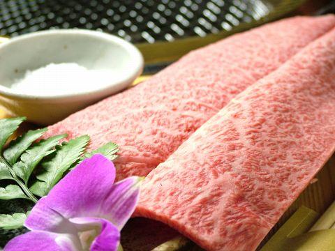 オーナーが自分の目で選んだ「いい肉」を低価格で提供!安くて旨いをとことん追求!