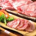 料理メニュー写真国産豚のスネのソフト燻製で スネ夫くん