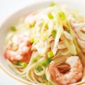 料理メニュー写真小海老と蒸し鶏のネギ塩パスタ