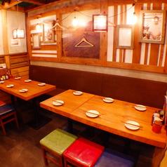 6名様用のテーブル席もご用意!明るく誠意あるサービスが心地よい空間♪いつでも行きたくなるお店「塚田農場 小山西口店♪」