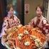 おいしいお肉とカニとお魚のお店 うしかに合戦 大阪かに源グループのロゴ