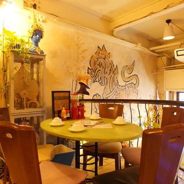 大阪カオマンガイカフェの雰囲気1