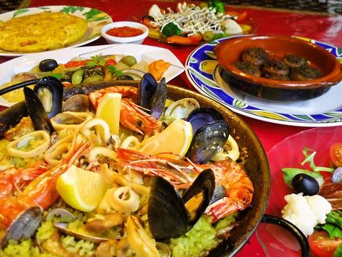 本格的な地方料理から家庭料理まで多彩なメニューをご用意しています!