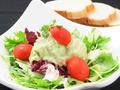 料理メニュー写真海鮮アボカドのサラダ