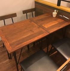 2~4名様のテーブル席をご用意