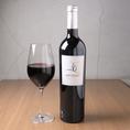 【アルティガソ】イベリコ山脈丘陵地にある畑の平均樹齢40年以上の古木のブドウを手摘みして造られます。 18ヶ月もの樽熟成を経たワインは果実の甘味が樽のクリーミーと絶妙に合わさり美味。18ヶ月の樽熟(フレンチ80%アメリカン20%)スペインワインらしい飲み応えのある1本。