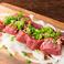 料理メニュー写真ワイン好きに贈る肉!馬肉の高級部位サーロイン刺し