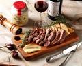 料理メニュー写真オーストラリア産 牛ロースステーキ(300g) 山わさびとスモーク塩