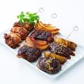料理メニュー写真No.3 人気の肉串 三種盛り