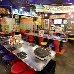 韓豚屋 ハンテジヤ 八重洲店の雰囲気1