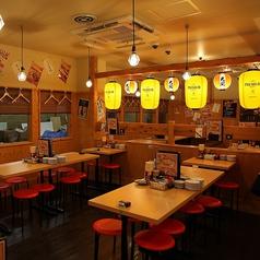 店内はカウンター席10席、テーブル席34席、掘ごたつ席38席の総席数82席となっております。