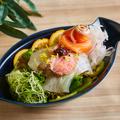 料理メニュー写真本日の超速鮮魚の超速海鮮サラダ