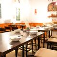 お席同士の間隔を広めに取っているため、ゆったりとお食事をお楽しみいただけます。