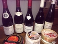 ワインとチーズも、もちろんそろっています