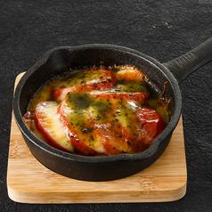 トマトとバジルのチーズグリル