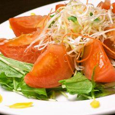 料理メニュー写真赤ワイン仕込み 丸ごと冷やしトマト
