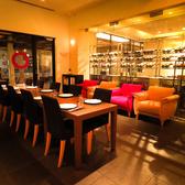 【レストランフロア/パターン2】貸切は15名様~30名様迄。人数・パーティの形態に合わせてカスタマイズ可能。