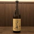 ひとり歩き【芋/25度 ボトル3300円】…原材料にジョイホワイトを使用。すべてが手作りで、今までにない芋焼酎の新しい香りとまろやかな味が特徴。