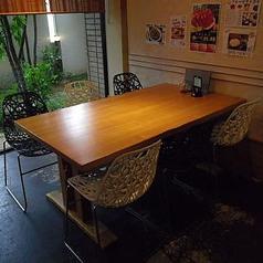 6名様のテーブル席です。繋げて18名様でもご利用できます。