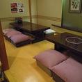 最大6名様座れるふわふわなクッションが特徴のお座敷席です。