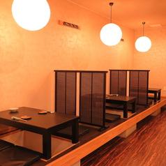 1階は2名~4名の掘りごたつ席を3卓ご用意しております。
