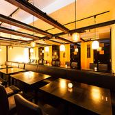 新宿近辺の会社の方から根強い人気のある団体個室。60名様まで対応可能な扉付きの個室。周りのお客様のことをお気になさることなくお食事なさってください。司会進行や掛け声なども個室なので問題なし◎