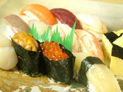 新鮮な魚介の味を素直に追及し、味わい豊かにご提供!