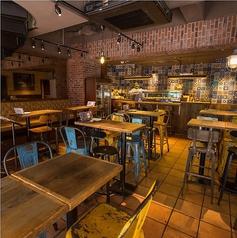 日本酒キッチンYODARE 湯島 御徒町店の雰囲気1