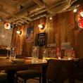 《テーブル席》オリオンビールの提灯が可愛いテーブル席♪合コン/女子会/宴会/デート/などにぴったり♪各種宴会は天王寺MIOにある沖縄食堂ハイサイで決まり☆