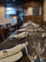 ゆったりお食事が楽しめるテーブル席。貸切でしたら34席まで対応できます!