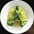 料理メニュー写真緑の野菜のクリームジェノベーゼ