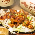 料理メニュー写真鶏鉄板(にんにく甘辛たれ)