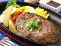 料理メニュー写真100%馬肉のハンバーグ