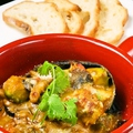 料理メニュー写真ズワイガニとアボカドのウニソースグラタン