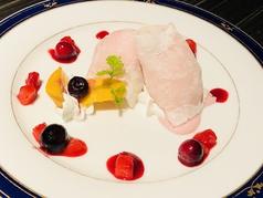 料理メニュー写真いちごアイスの大福