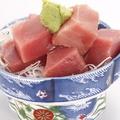 料理メニュー写真まぐろ(ぶつ・山かけ)/イカ/アジ(刺・タタキ)/ワラサ/ホタテ