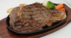 料理メニュー写真鉄板牛ステーキセット(ライス・小サラダ付)225g/150g