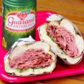 安くてボリューム満点!シェラスコのサンドイッチでお腹も心も満たされる◎お得なドリンクセットはソフトドリンクが+200円でつけられます♪