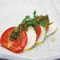 料理メニュー写真もっちり豆冨とトマトのカプレーゼ