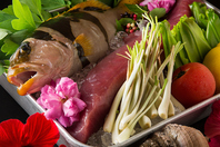 新鮮な鮮魚や島野菜を毎日入荷!