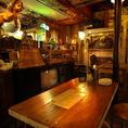 【2階】人数に合わせてご利用いただけるテーブル席を多数ご用意しております。[鹿児島/天文館/バル/飲み放題/宴会/イタリアン/肉/貸切/個室/サプライズ/誕生日/女子会/二次会/ピザ/カフェ夜カフェ]